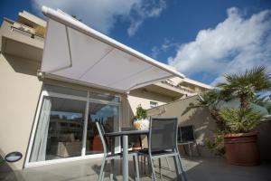 Pontico - Deluxe Terrace Suite with Sea & City Views