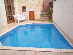 Vintage Farmhouse with Pool