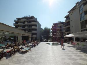 Real Black Sea Apartments - фото 20