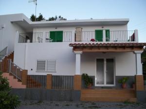 Pensión Las Tres Golondrinas, Гостевые дома  Пляж Эс-Фигераль - big - 27
