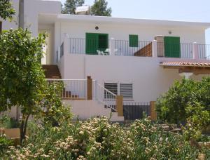 Pensión Las Tres Golondrinas, Гостевые дома  Пляж Эс-Фигераль - big - 22