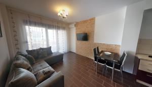 Apartment Gosposhtina 219, Apartments  Budva - big - 70