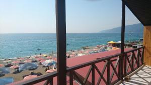 Мини-гостиница Три Кипариса на Терешкова, Гагра