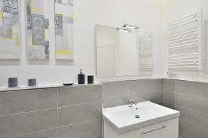 New Romantic Trastevere Apartment, Prázdninové domy  Řím - big - 9