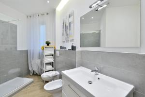 New Romantic Trastevere Apartment, Holiday homes  Rome - big - 6