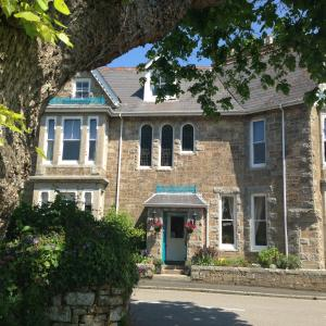 Treventon Guest House