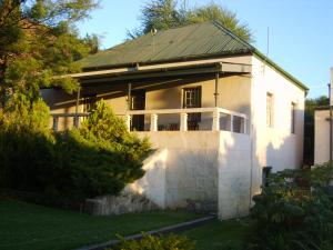 Owl`s Hoot Cottage, Horské chaty  Clanwilliam - big - 1