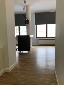 Szucha Apartment 3