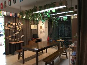 Warder's Youth Hostel, Hostels  Chengdu - big - 33