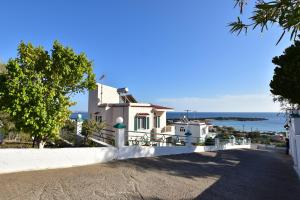 Yiannis Villas, Holiday homes  Kountoura Selino - big - 4