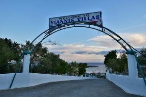 Yiannis Villas