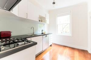 Huge 2 Bedroom Apartment - St Kilda, Victoria, Australia