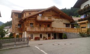 Hirschenhof, Farm stays  Dobbiaco - big - 1