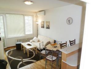 Lowe park apartment