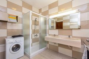 Apartment Erla, Ferienwohnungen  Banjole - big - 16