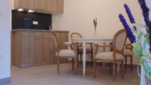 Refresh Boutique Apartments, Apartmanok  Vodice - big - 98