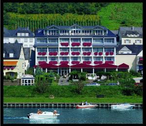 Moselstern Hotel Brixiade &Triton