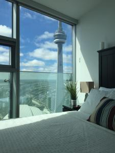 iHost Suites Ice Condo, Apartments  Toronto - big - 1