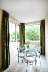 Sintria Court Apartments, Apartmanok  Balcsik - big - 16
