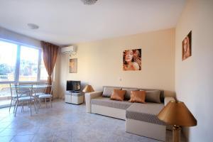 Sintria Court Apartments, Apartmanok  Balcsik - big - 7