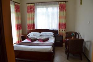 Кампала - Jevine Hotel