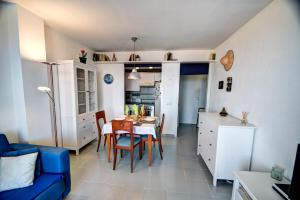 Apt. by the sea by Hello Apartments, Apartments  Sitges - big - 24