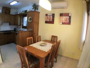 Pino Alto Holiday Homes Rioja, Holiday homes  Miami Platja - big - 4