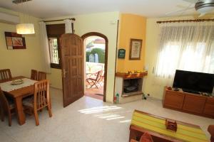 Pino Alto Holiday Homes Rioja, Holiday homes  Miami Platja - big - 5