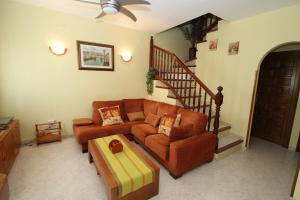 Pino Alto Holiday Homes Rioja, Holiday homes  Miami Platja - big - 11