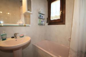 Pino Alto Holiday Homes Rioja, Holiday homes  Miami Platja - big - 12
