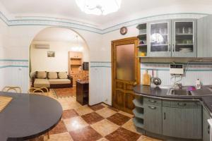 Apartment on Pavlivska Street