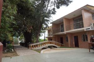 China Town Guest House, Отели  Freetown - big - 5