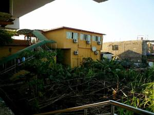 China Town Guest House, Отели  Freetown - big - 23