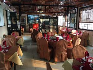 China Town Guest House, Отели  Freetown - big - 37