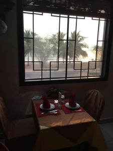 China Town Guest House, Отели  Freetown - big - 36