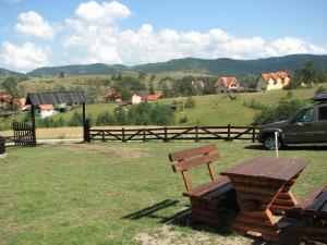 Chalet Four Season, Chalets  Zlatibor - big - 26