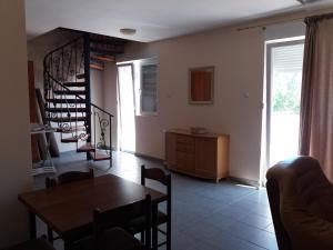 Duplex apartment Baošici