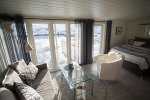 Annebua-Svolvær, Holiday homes  Svolvær - big - 26