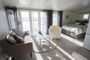 Annebua-Svolvær, Holiday homes  Svolvær - big - 24