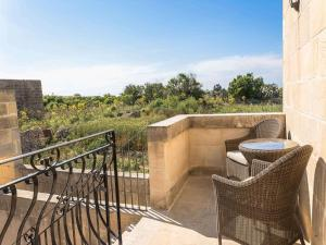 Gozo Spirit, Bed & Breakfast  Nadur - big - 5