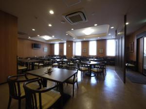 Hotel Route-Inn Saga Ekimae, Economy hotels  Saga - big - 25