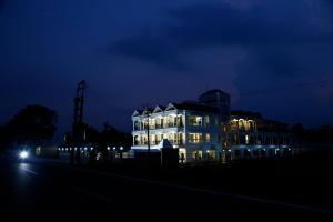 Hotel Debrani International