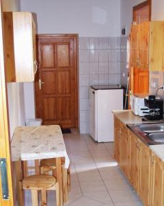 Öreg Bence Háza, Apartments  Füzérkomlós - big - 4