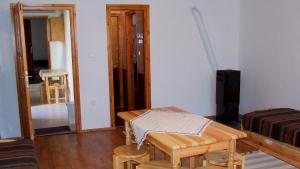 Öreg Bence Háza, Apartments  Füzérkomlós - big - 3