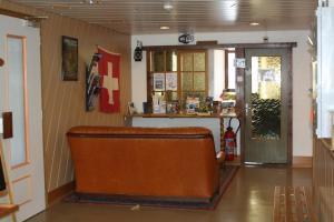 Centre Chrétien La Grange, Guest houses  Auberson - big - 65