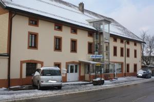 Centre Chrétien La Grange, Guest houses  Auberson - big - 64