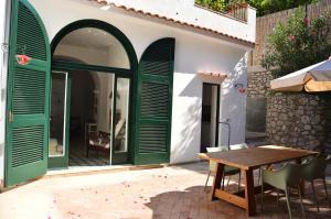 Villa Rosella, Villas  Capri - big - 16