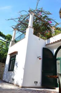 Villa Rosella, Villas  Capri - big - 19