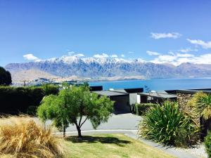 Distinctive Artist Lakeview Townhouse, Ferienhäuser  Queenstown - big - 5