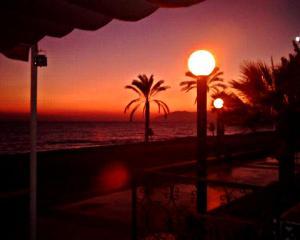 Malaga Beach Holiday, Hostelek  Rincón de la Victoria - big - 18